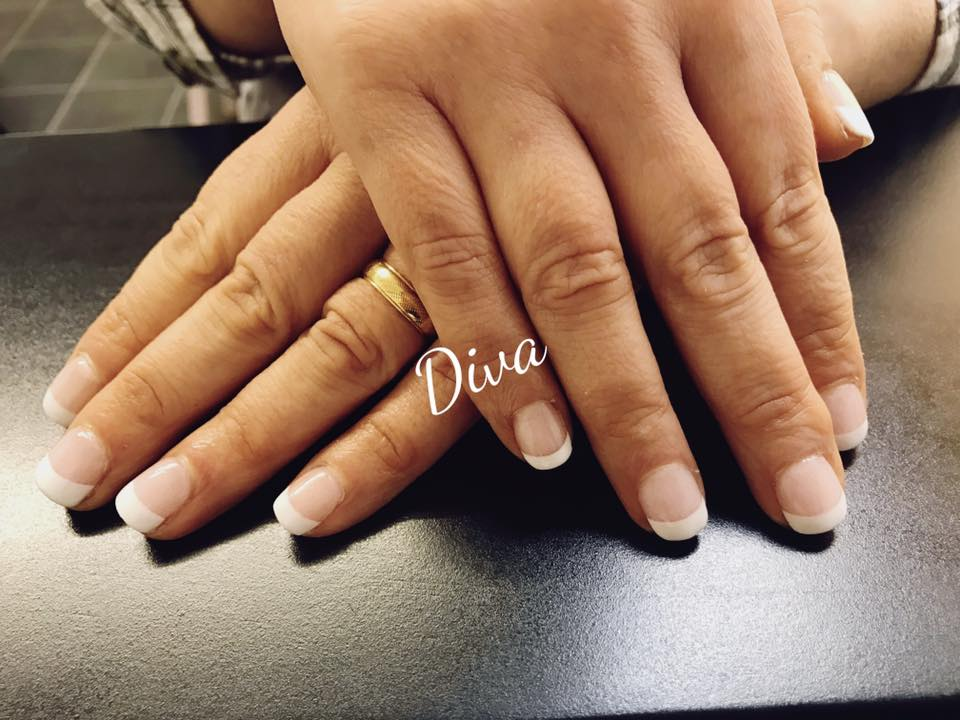 Acrylic nails dip and buff in Poole - no damage to the nail and no ...